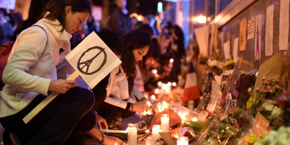 o-PARIS-ATTENTATS-facebook